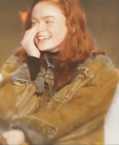 when they mentioned the cattle on the highway in this interview i was dyingg😂. when they mentioned the cattle on the highway in this interview i was dyingg😂😂 Stranger Things Kids, Stranger Things Have Happened, Stranger Things Aesthetic, Stranger Things Season 3, Stranger Things Netflix, Funny Corny Jokes, Besties Quotes, Sadie Sink, Cute Cartoon Wallpapers