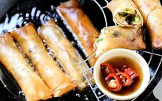 Lumpiang Gulay: Filipino Spring Roll With Cabbage and Sweet Potato [Vegan, Gluten-Free] | One Green Planet