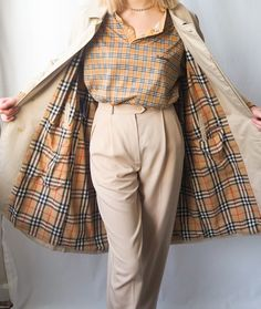 Burberry, trench, vintage, vintage Burberry Burberry Trench, Vintage Boutique, Instagram Shop, Baby Dolls, Vintage Ladies, Women Wear, Stockings, Luxury, How To Wear