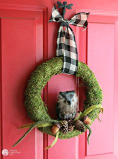 DIY Moss and Owl Wreath | Create a Fall Wreath with Sheet Moss. See the full tutorial on TodaysCreativeLife.com