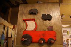 ΞΥΛΙΝΗ ΚΡΕΜΑΣΤΡΑ ΤΟΙΧΟΥ, ΑΤΜΟΜΗΧΑΝΗ www.ombra.gr Hangers, Wooden Toys, Wooden Toy Plans, Clothes Hanger, Wood Toys, Clothes Hangers, Woodworking Toys, The Hunger, Coat Stands