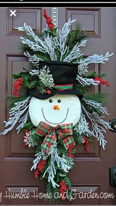 Tips and How To Create A Magical Snowman Wreath – My Humble Home and Garden – Unique Christmas Decorations DIY Christmas Swags, Christmas Door Decorations, Christmas Centerpieces, Holiday Wreaths, Christmas Ornaments, Ball Ornaments, Christmas Christmas, Advent Wreaths, Snowman Decorations