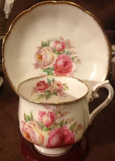 Royal Albert Bone China England Pink Roses (This tea cup is awesomely gorgeous!!!)