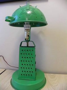 Green colander grater lamp - This Amazing Cool Lamps, Unique Lamps, Unique Lighting, Diy Luminaire, Steampunk Lamp, Upcycled Vintage, Repurposed, Pipe Lamp, Lampshades