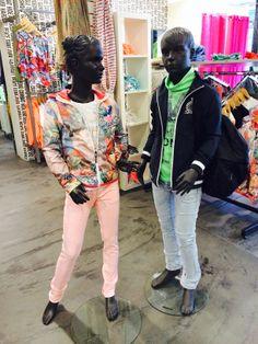 Zij: Gsus shirt en Jasje en Retour broek Hij: Monta shirt en jasje en Retour broek