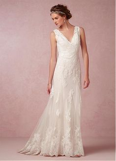 Elegant Tulle V-neck Neckline Natural Waistline Sheath Wedding Dress With Lace Appliques
