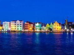 Willemstad by night Curaçao