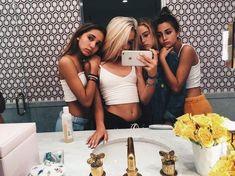 friends and selfies Go Best Friend, Best Friend Goals, Best Friends Forever, Best Friend Pictures, Bff Pictures, Friend Photos, Bff Pics, Squad Pictures, Beach Pictures