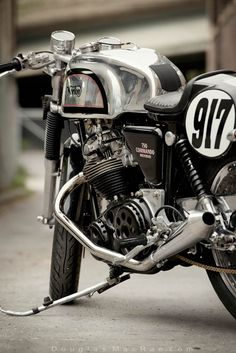 '71 Norton streetbike ©Douglas MacRae