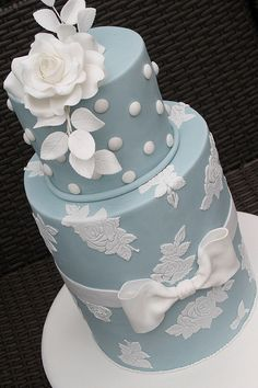 Weddings | Summer Blues | Blue wedding cake