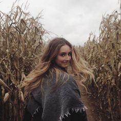 Urban Outfitters - Via uohalifax Fall Pictures, Fall Photos, Autumn Photography, Portrait Photography, Photography Composition, Pumpkin Patch Pictures, Artsy Photos, Foto Casual, Autumn Aesthetic