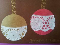So simple for the little ones.just some paper doilies and pretty cardstock! Childrens Christmas Crafts, Christmas Art For Kids, Christmas Activities For Kids, Winter Christmas, Holiday Crafts, Santa Crafts, Reindeer Craft, Snowflake Craft, Christmas Baubles