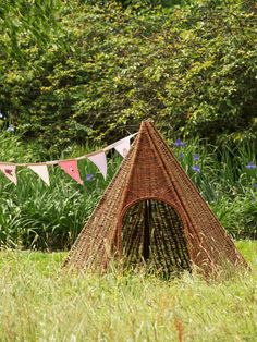 Wicker teepee