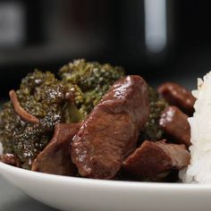 Slow cooker beef and broccoli. slow cooker beef and broccoli more paleo crockpot recipes easy healthy crockpot meals, crockpot freezer Crock Pot Slow Cooker, Crock Pot Cooking, Cooking Food, Easy Cooking, Cooking Recipes, Crock Pots, Crock Pot Steak, Slow Cooker Steak, Slow Cooker Turkey