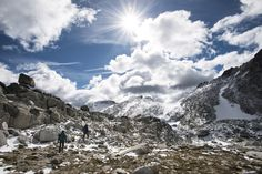 A Brief Guide to The Enchantments in the North Cascades - REI Co-op Journal West Coast Trail, The Enchantments, Rocky Mountain National, National Forest, Utah Hikes, Alpine Lake, Colorado Hiking, Ice Climbing, North Cascades