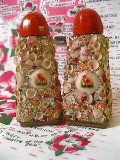 Vintage Florida souvenir salt and pepper shakers with tiny shells and… Old Florida, Vintage Florida, Vintage Love, Vintage Decor, Seminole Florida, Cocoa Beach, Palm Beach Gardens, Seashell Art, Pink Flamingos