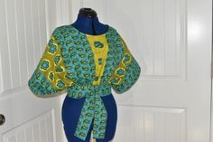 African women clothing / cape top/ African peplum blouse for prom/ Ankara top for African Fashion Ankara, Nigerian Fashion, African Wear, African Style, Ankara Blouse, Ankara Tops, Peplum Blouse, African Tops, African Women
