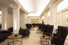 Tapicería en piel de sillones y sofás por parte del equipo de Marcasal. http://marcasal.es/web/hotel-majestic-eclectico-y-clasico/