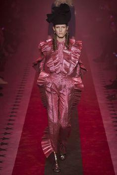 Gucci Spring/Summer 2017 RTW Collection | British Vogue