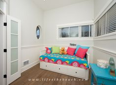 The perfect place for a family with small kids. The den with the trundle bed sleeps comfortably your precious ones.
