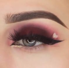 Valentine's Day eyeshadow