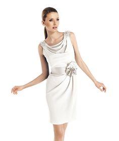 TAINA » Wedding Dresses » 2014 City Collection » Pronovias
