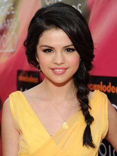 Selena Gomez rocks a side braid