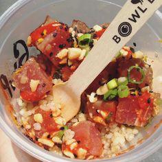 marinated raw tuna #poke on #brownrice for lunch today  hawaiian style spicy from my favorite #bowldacai #foodtruck  #lunch #sanfrancisco #sfgourmet #fastlunch #healthylunch #protein #mintplaza #california #hawaii #rawfish #pokay #tunapoke by sophiezizi