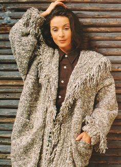 B 91 LADIES//WOMAN/'S LONG JACKET  WITH CABLES//RIB ~KNITTING PATTERN SIZE 12-14