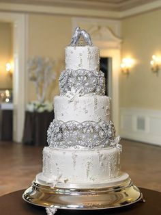 The Caketress This would make not only a beautiful Silver Wedding Cake, but also a great Anniversary Cake Bling Wedding Cakes, Bling Cakes, Fancy Cakes, Cake Wedding, Dream Wedding, Amazing Wedding Cakes, Elegant Wedding Cakes, Wedding Cake Designs, Ivory Wedding