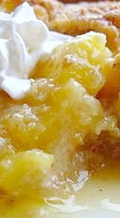 Pineapple Crisp - Chunks of crushed pineapple are treated to a simple topping of buttery, brown-sugar crumble Pineapple Dessert Recipes, Fruit Recipes, Cooking Recipes, Pineapple Cake, Pineapple Cobbler, Pineapple Ideas, Pineapple Casserole, Cooking Tips, Desert Recipes