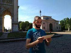 Foto scattata in una mattinata milanese. Registrazione di una puntata per Radio E20
