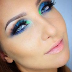 love this! you could use the Urban Decay Vice 3 to recreate