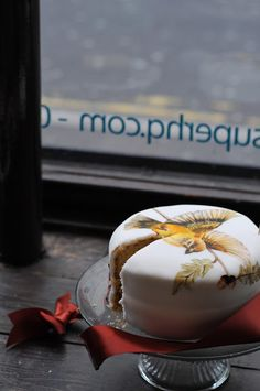Handpainted cake  Photo by Dawn Mead