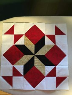 Quilt Square Patterns, Patchwork Quilt Patterns, Barn Quilt Patterns, Big Block Quilts, Star Quilt Blocks, Mini Quilts, Colchas Quilting, Quilting Projects, Half Square Triangle Quilts