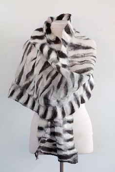 peek - Home Silk Chiffon Fabric, Pure Silk, Shawl, Textile Products, Fur Coat, Textiles, Pure Products, Chic, Jackets