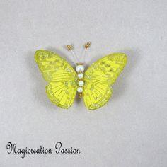 Magnet décoratif papillon soie jaune +1 aimant , collection gallia - Un grand marché Insects, Montage, Dimensions, Magnets, Animals, Boutique, Collection, Playing Card, Silk