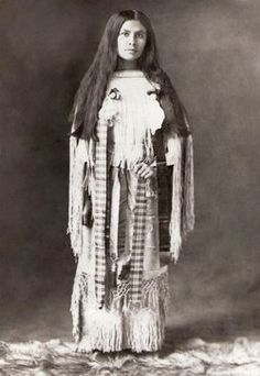Wanada Parker Page (daughter of Comanche Chief, Quanah Parker) co-starred with her brother, White Parker, in the 1920 film, Daughter of Dawn. The film (sometimes called The Daughter of Dawn) was the first full-length movie to tell a Native American. Native American Wisdom, Native American Pictures, Native American Beauty, Native American Tribes, Native American History, American Indians, American Teen, American Story, Quanah Parker