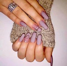 Nail art lavande