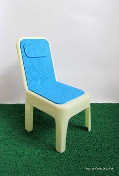 Aya w Świecie Lalek: Krzesełko plażowe z pudełka po lodach