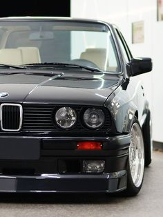 BMW E30 3 series black