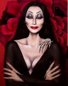 Morticia Addams Makeup, Morticia Adams, Medusa Halloween Costume, Halloween Makeup, Halloween 2020, Halloween Ideas, Gothic Pictures, The Beauty Department, Bratz Doll