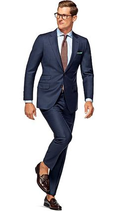 Suitsupply Suits: Soft-shoulders, great construction with a slim fit—our tailored, washed and formal suits are ideal for any situation. Business Casual Men, Men Casual, Suit Supply, People Cutout, Frat Guys, Cool Style, Style Men, Formal Suits, Dapper Men
