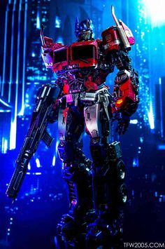 Optimus Prime - Bumblebee Movie (DLX) - Reflector @ TFW2005 Transformers Prime Bumblebee, Transformers Decepticons, Transformers Optimus Prime, Robot Wallpaper, Man Wallpaper, Prime Movies, Transformers Masterpiece, Cultura Pop, Geek