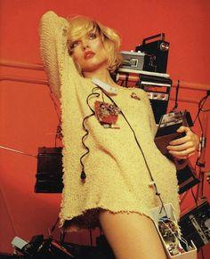 Debbie Harry and Blondie photographed by Mick Rock in Blondie Debbie Harry, New Wave, Stevie Nicks Lindsey Buckingham, Isaac Hayes, Frankie Avalon, Photo Star, Idol, Stevie Ray Vaughan, Retro Pop