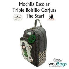 """La Mochila Escolar Triple Bolsillo Gorjuss con el diseño """"The Scarf"""" tiene dos compartimentos con cierre de cremallera y un bolsillo frontal, también con cremallera, con tres compartimentos para bolis y un bolsillo para el móvil, la agenda,…  @waubags.com #gorjuss #santorolondon #mochila #escolar #cole #waubags"""