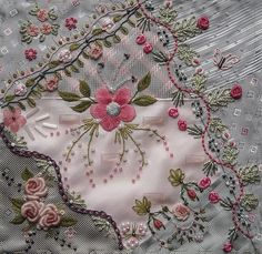 November block for Emiko by Anne Nicolas-Whitney - Emiko likes roses and subtle colours, so that's what I made for her and hope she'll like it.