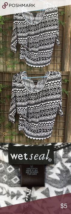 1 HOUR SALE ❤️ Wet Seal Aztec print 3/4 sleeve top Good condition print top.  Great with leggings and boots.  Next day shipping. Wet Seal Tops Tees - Long Sleeve