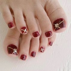 Resultado de imagen para gold and beige toenails Fall Toe Nails, Pretty Toe Nails, Cute Toe Nails, Summer Toe Nails, Pretty Toes, Pedicure Designs, Pedicure Nail Art, Nail Art Designs, Toe Nail Designs For Fall