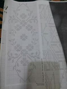 Beaded Embroidery, Embroidery Stitches, Hand Embroidery, Easy Cross Stitch Patterns, Simple Cross Stitch, Weaving Patterns, Crochet Patterns, Knitting Charts, Bargello